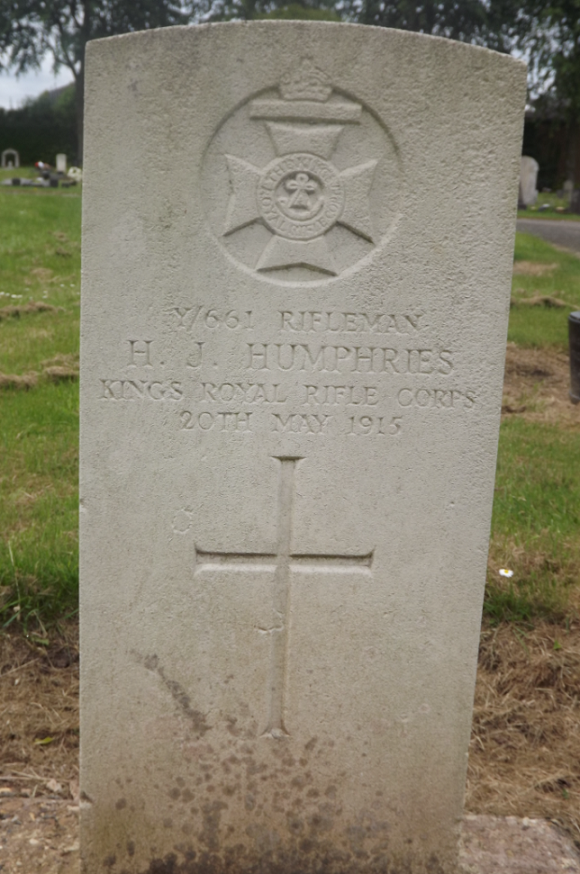 CWGC Grave for H J Humpries