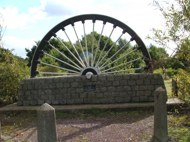 Baddesley Ensor, memorial winding wheel